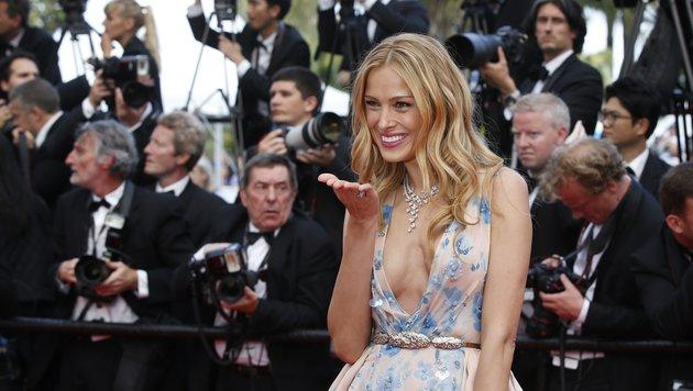 Model Petra Nemcova mit sexy Dekolleté (Bild: AFP)