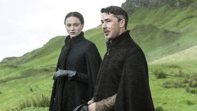 """Sophie Turner als Sansa Stark und Aidan Gillen als """"Kleinfinger"""" Petyr Baelish (Bild: AP/Helen Sloan)"""