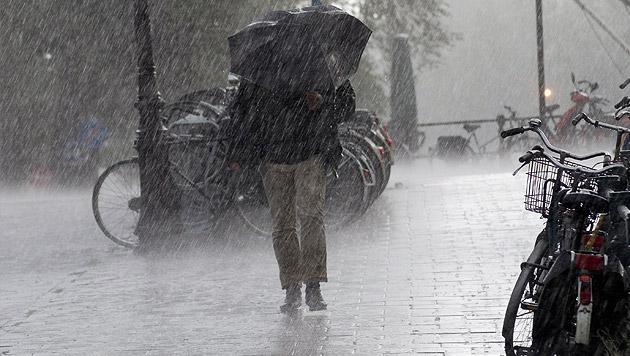Das Pfingstwochenende wird verregnet und trüb (Bild: thinkstockphotos.de)