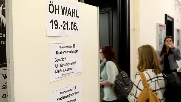 Linke ÖH-Mehrheit hält knapp, AG Wahlsieger (Bild: APA/Roland Schlager)
