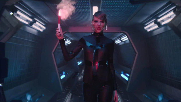 "Taylor Swift im neuen Video zu ""Bad Blood"" (Bild: Viennareport)"