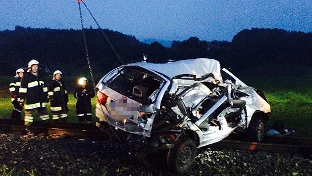 Eltern und drei Kinder bei Unfalldrama gestorben (Bild: Sandra Ramsauer)