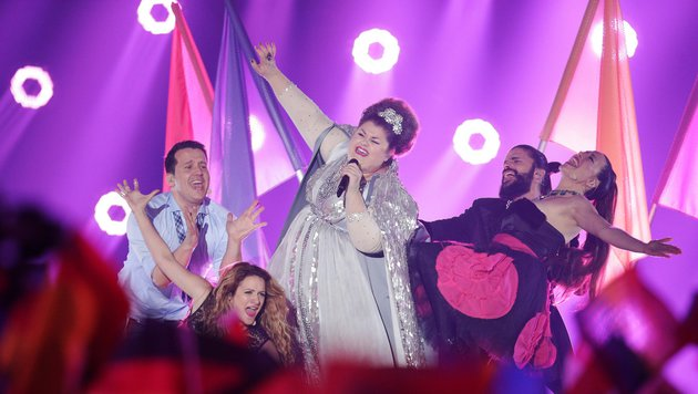 Bojana Stamenov aus Serbien rockt den Song Contest mit der Startnummer 8. (Bild: GEORG HOCHMUTH)