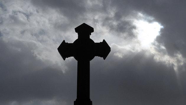 Pensionist stirbt bei Begräbnis seines Bruders (Bild: APA/GEORG HOCHMUTH (Symbolbild))