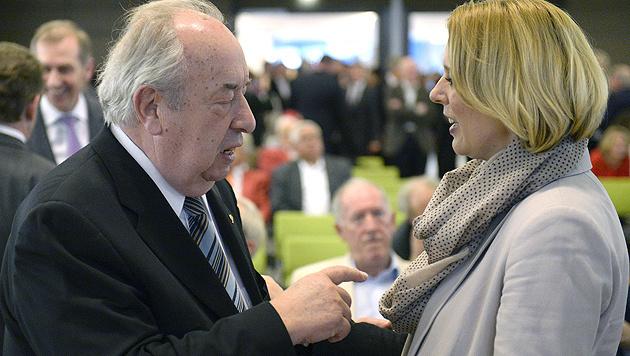 Staatssekretärin Steßl und Beamtengewerkschafter Fritz Neugebauer (Bild: APA/Hans Klaus Techt)