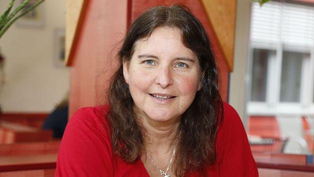 Walretterin Linda Weilgart richtet mahnende Worte an die OMV. (Bild: Zwefo)