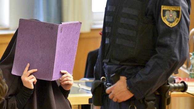 Die 16-Jährige wurde freigesprochen. (Bild: APA/HERBERT NEUBAUER)