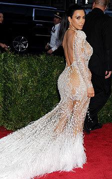 Kim Kardashian sagt, sie fühle sich, seit sie Mama ist, heißer denn je und kleide sich auch so. (Bild: Viennareport)