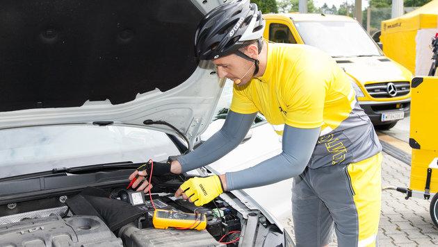 ÖAMTC-Pannenhelfer nun auch mit E-Bikes unterwegs (Bild: ÖAMTC Kommunikation/APA-Fotoservice/Rastegar)