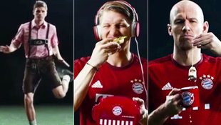 Schr�g: Was machen denn die Bayern-Stars hier? (Bild: zoomin.tv)