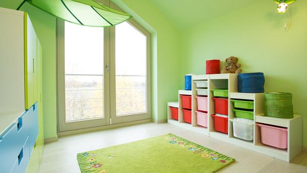 richtig einrichten so w chst das kinderzimmer mit spielend wohnen familie. Black Bedroom Furniture Sets. Home Design Ideas