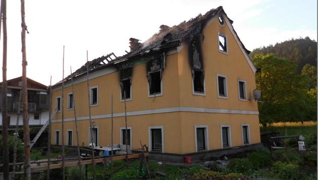 Brand fordert 2 Todesopfer, Pensionistin gerettet (Bild: FF Leoben Stadt)