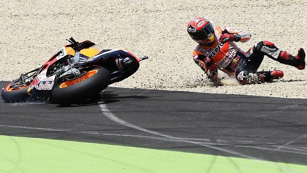 MotoGP: Weltrekord mit 350,8 km/h, Marquez-Sturz (Bild: APA/EPA/CLAUDIO ONORATI)