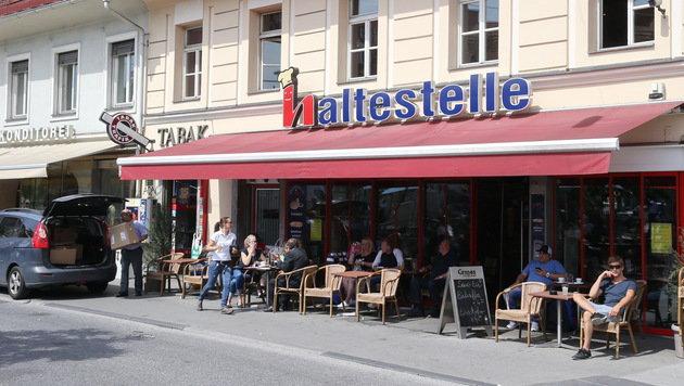 60 Fußballrowdys zerlegten Grazer Innenstadtlokal (Bild: Sepp Pail)