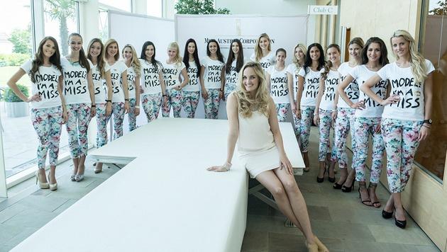 Die Models mit Patricia Kaiser (Bild: Miss Austria Corporation)