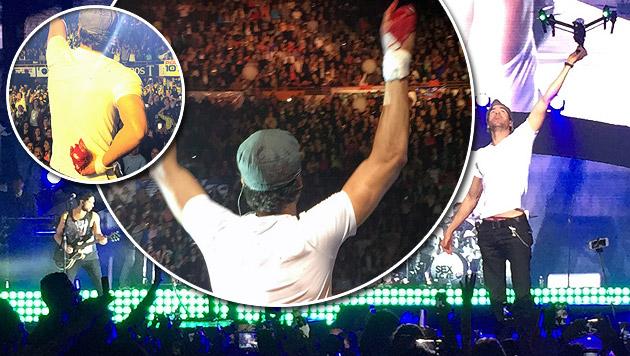 Enrique Iglesias bei Konzert von Drohne verletzt (Bild: AP)