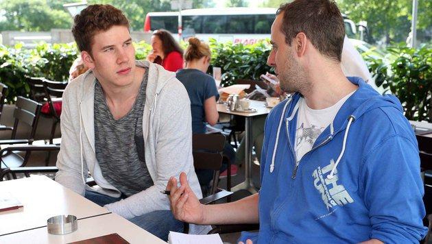 Jakob Pöltl im Gespräch mit Krone-Redakteur Florian Gröger (Bild: Gerhard Gradwohl)