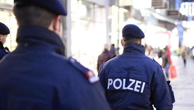 Aggressives Duo verletzte vier Wiener Polizisten (Bild: APA/HELMUT FOHRINGER (Symbolbild))