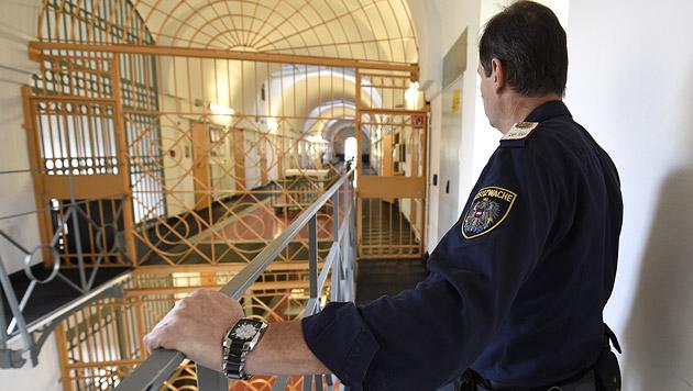 Justizbeamter verhindert Ausbruch und Geiselnahme (Bild: APA/Helmut Fohringer (Symbolbild))