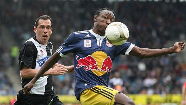 Somen Tchoyi hofft auf ein Comeback in Salzburg nach sechs Jahren, trainiert bei der Austria mit. (Bild: Andreas Tröster)