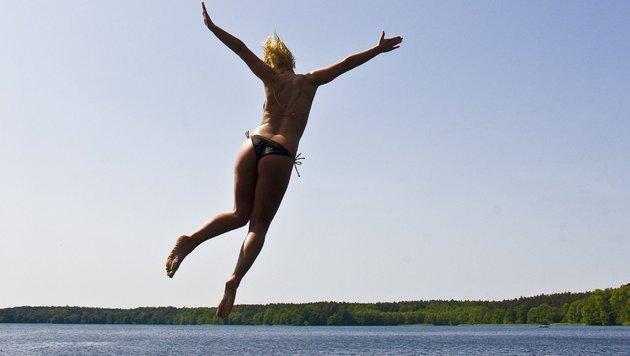 Traumhaftes Badewetter am verlängerten Wochenende (Bild: dpa/Patrick Pleu)
