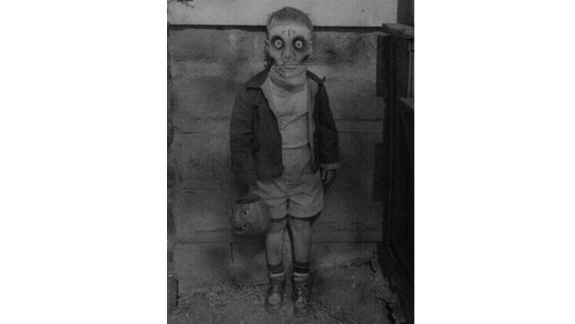 Diese Halloween-Kostümierung eines Kindes ist einfach nur furchterregend.