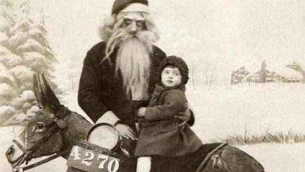 Wer diesem Weihnachtsmann begegnet ist, verzichtet im nächsten Jahr auf Geschenke.