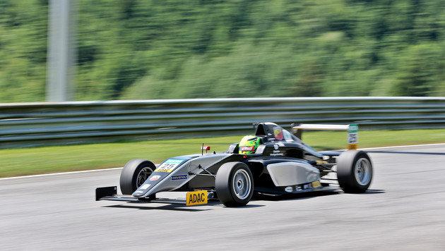 Mick Schumacher bricht sich bei Crash die Hand (Bild: GEPA)