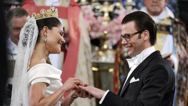 Kronprinzessin Victoria und Prinz Daniel bei der Traumhochzeit 2010 (Bild: EPA)