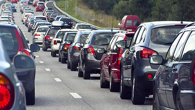 Kilometerlange Staus auf Österreichs Transitrouten (Bild: thinkstockphotos.de)