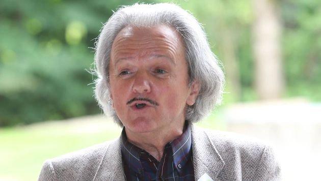 """""""Jahr für Jahr verlieren wir ein halbes Prozent unserer Singvögel."""" - Dr. J. Gepp (Bild: Sepp Pail)"""