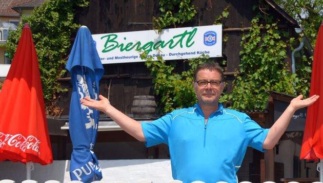 Biergartl-Chef Jacky Wedam: Gastgarten zu Mittag zu, weil sich kein arbeitswilliger Koch findet... (Bild: Johann Haginger)