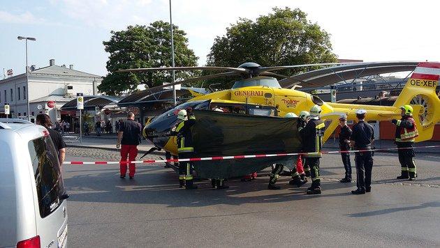 Per Hubschrauber wurde der Schwerverletzte ins Krankenhaus geflogen. (Bild: Herbert Wimmer/Pressestelle BFK Mödling)