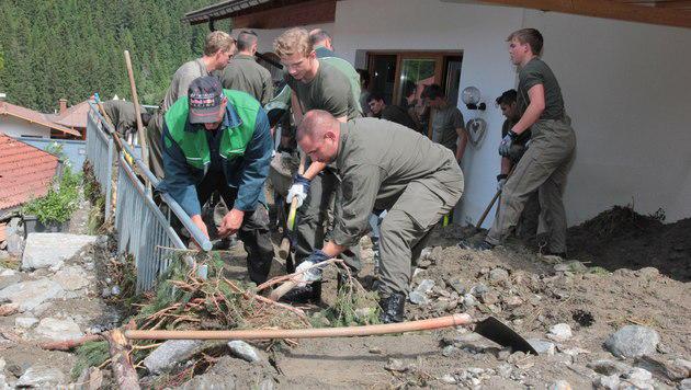 Spur der Verwüstung nach Unwettern in Österreich (Bild: APA/BUNDESHEER/VZLT HÖRL)