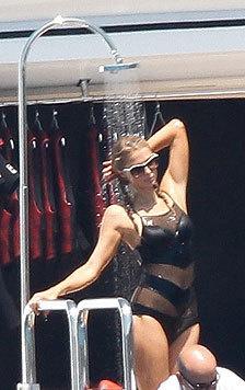 Paparazzi erwischten Paris Hilton auf der Jacht des Unternehmers Thomas Gross. (Bild: Viennareport)