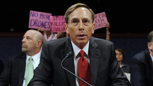 David Petraeus war von Oktober 2008 bis Juni 2010 Oberbefehlshaber der US-Armee im Irak. (Bild: EPA/MICHAEL REYNOLDS)