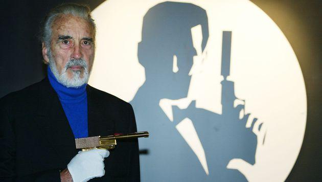 """Christopher Lee war auch im James-Bond-Abenteuer """"Der Mann mit dem goldenen Colt"""" zu sehen. (Bild: Adrian Dennis/EPA/picturedesk.com)"""