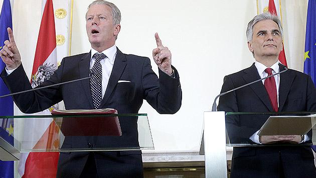 Mitterlehner und Faymann im Schlagabtausch (Bild: APA/GEORG HOCHMUTH)