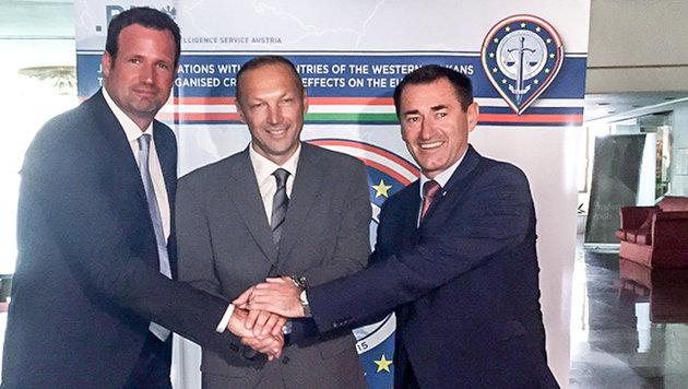 OK-Leiter Holzer, der slowenische Kripo-Direktor Branko Japelj und BK-Chef Franz Lang (Bild: BK)