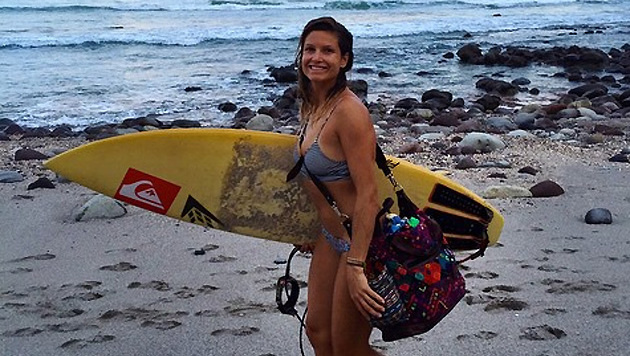 Surfen in Panama: So verbringt Julia Mancuso ihren Urlaub (Bild: instagram.com/Julia Mancuso)