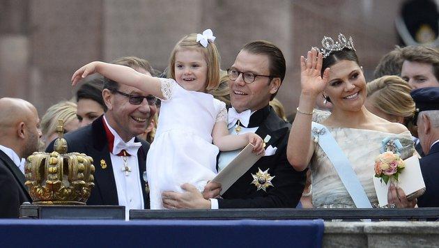 Prinzessin Estelle war eines der Blumenmädchen bei der Hochzeit. (Bild: AFP/JONATHAN NACKSTRAND)