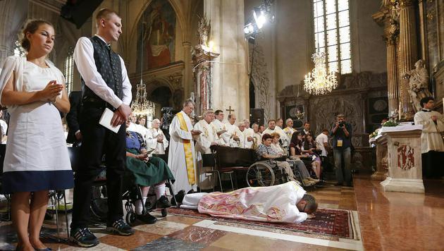 Graz: Wilhelm Krautwaschl zum Bischof geweiht (Bild: ERWIN SCHERIAU)