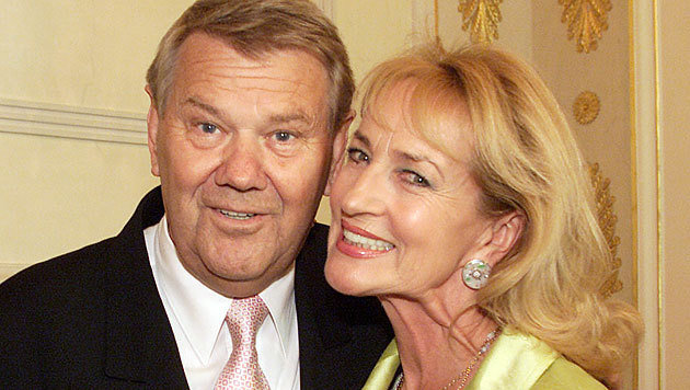 Rudolf Buczolich mit Dagmar Koller im Jahr 2002 (Bild: Peter Tomschi)