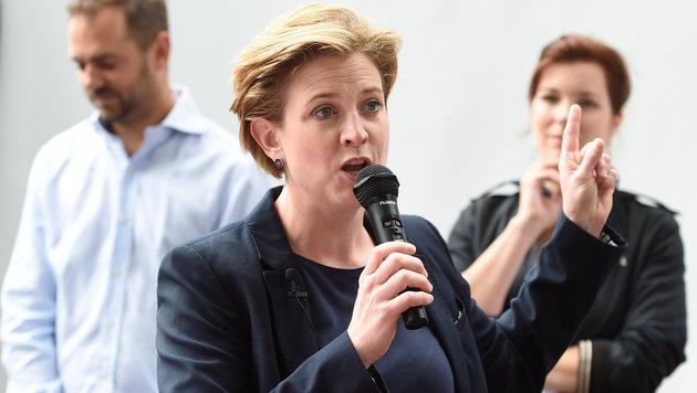 NEOS-Klubobfrau Beate Meinl-Reisinger (Bild: APA/HELMUT FOHRINGER)