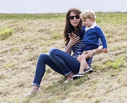 Eigentlich waren Kate und George da, um Papa William beim Polo zuzuschauen. (Bild: Viennareport)