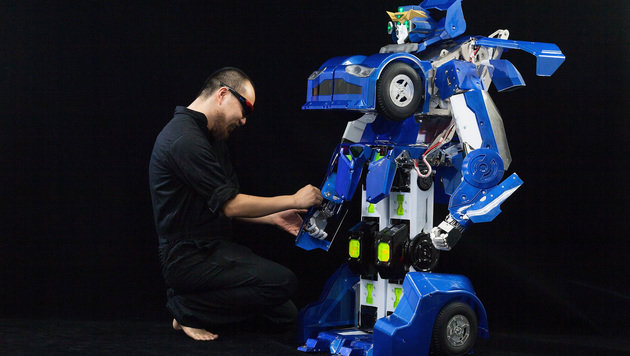 """Japaner entwickeln riesigen """"Transformer""""-Roboter (Bild: j-deite.jp)"""