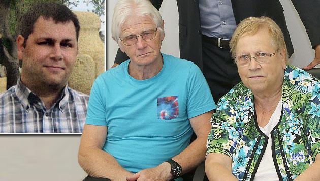 Reinhard Steindl (l.) verstarb, seine Eltern klagten den Krankenanstaltenverbund. (Bild: Zwefo)