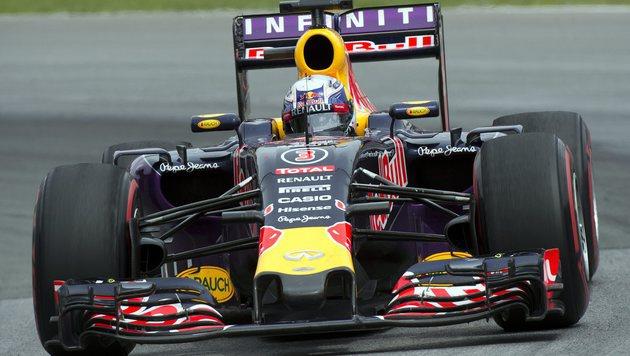 Red Bull muss mit beiden Autos zehn Plätze zurück (Bild: AP)
