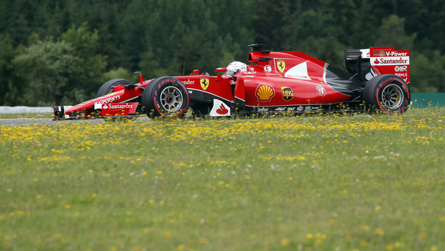 """""""Super-Seb"""" Vettel krallt sich im Ferrari Bestzeit (Bild: AP)"""