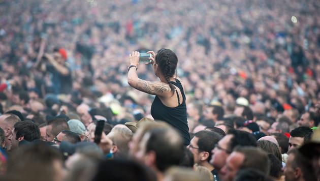 Böhse Onkelz liefern Konzert-Serie der Superlative (Bild: APA/EPA/Daniel Naupold)